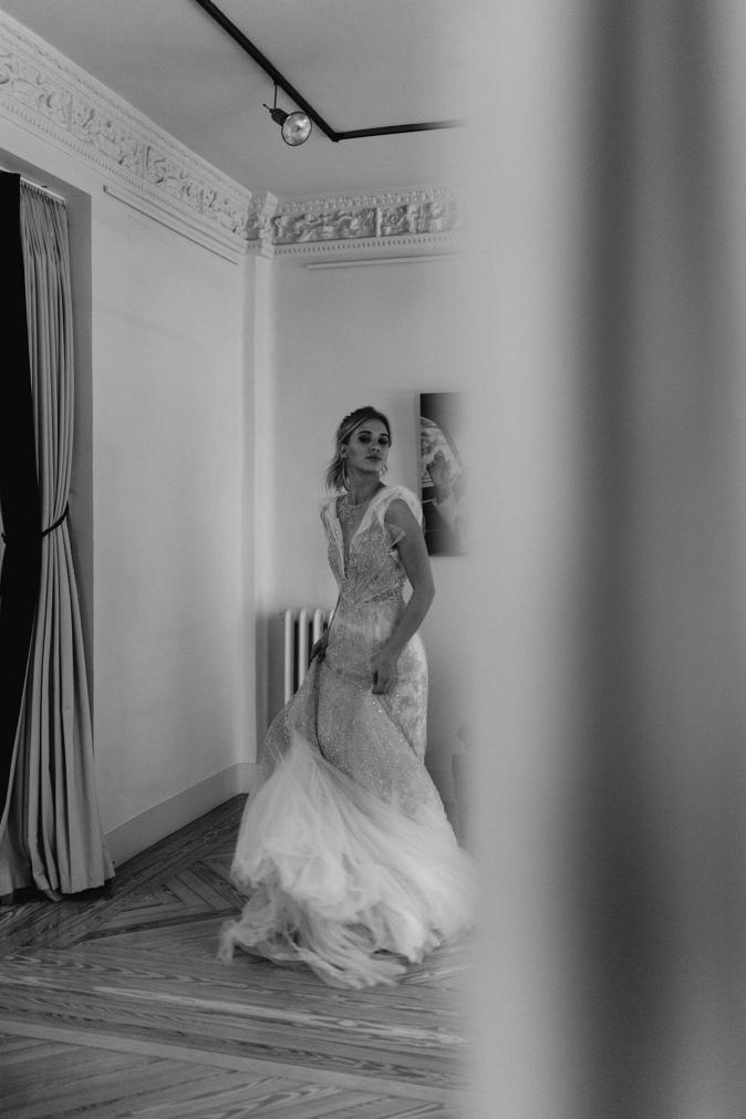 TB - editorial Bardot - vestido de novia dorado Marco & Maria (9).jpg