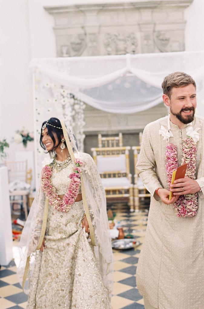 40-indian-bride-anglo-groom.jpg