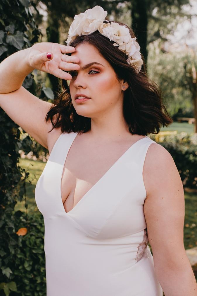 TB-inspiracion-novia-curvy-bride_Fotos de Sr-Isatis_look-2_Pronovias (1).JPG