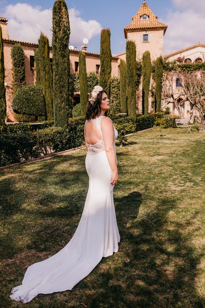 TB-inspiracion-novia-curvy-bride_Fotos de Sr-Isatis_look-2_Pronovias (3)